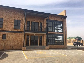 Warehouse to let in K109 Business Park