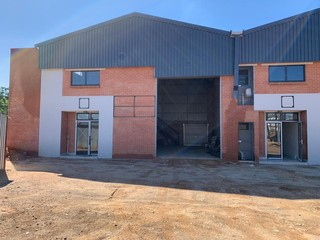 Brand new warehouses for rent in Laser Park