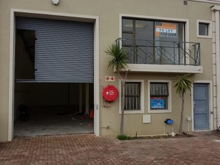 Warehouse to let in Montague Gardens