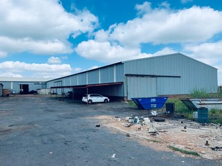 Factory to rent / for sale in Nigel