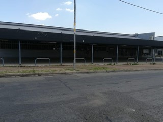Factory and offices to let / for sale in Springs