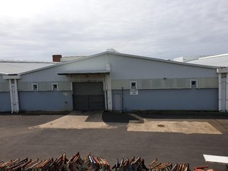 Warehouse for rent in Trafford Park