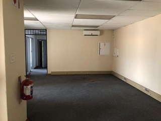 Office to let in Meadowdale
