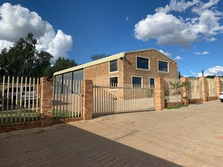 Warehouse to let in Muldersdrift