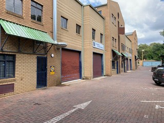Mini factory to let in Strijdom Park