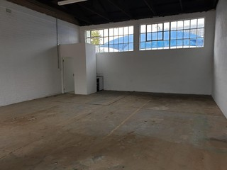 Micro warehouse to let in Wadeville