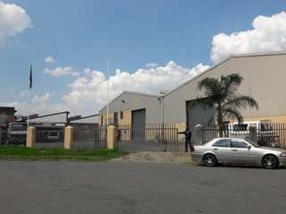 Warehouse to let / for sale, Industria West