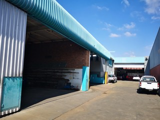 Large warehouse for sale in Hermanstad