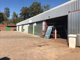 Warehouse and offices to let in Lynnwood
