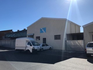 Neat Industrial Unit to Let