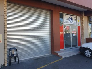 Retail warehouse to let in in Alberton North