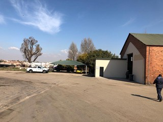 Mini unit available for rent in Brakpan