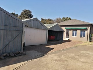 Agricultural holding for sale in Bredell