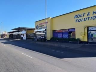 Mini warehouse available for rent in Newlands