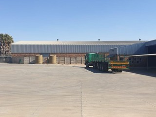 Warehouse to let in Brentwood Park
