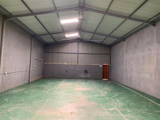 Industrial unit available for rent