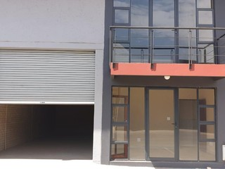 Warehouse to let / for sale in Pomona