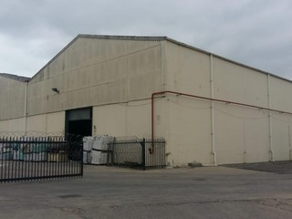 Warehouse to let in Oosterland Park Paarl