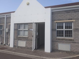 Industrial Unit To  Let in Montague Gardens